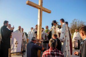 ОСВЕШТАНИ ТЕМЕЉИ НОВОГ ПРАВОСЛАВНОГ ХРАМА У КЉАЈИЋЕВУ
